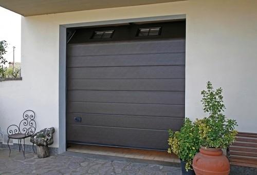 Offerte e promozioni su porte e portoni per garage civili e industriali sconti sui prezzi - Porta garage sezionale prezzi ...