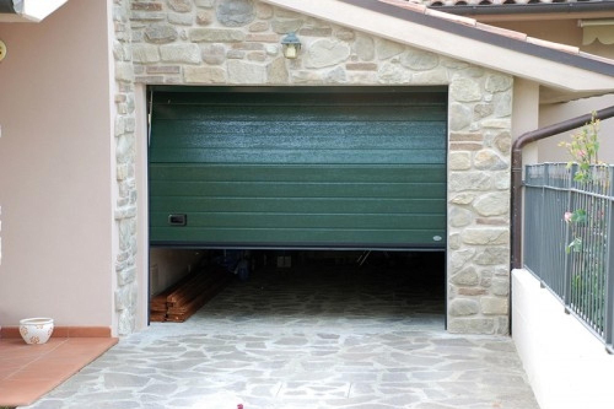 Offerta portone sezionale in acciaio verniciato mod - Porte garage automatiche prezzi ...