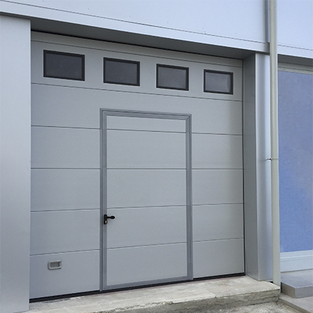 Modello lorena portone sezionale con pannello verniciato portoni sezionali serramenti garage - Portoni garage con finestre ...