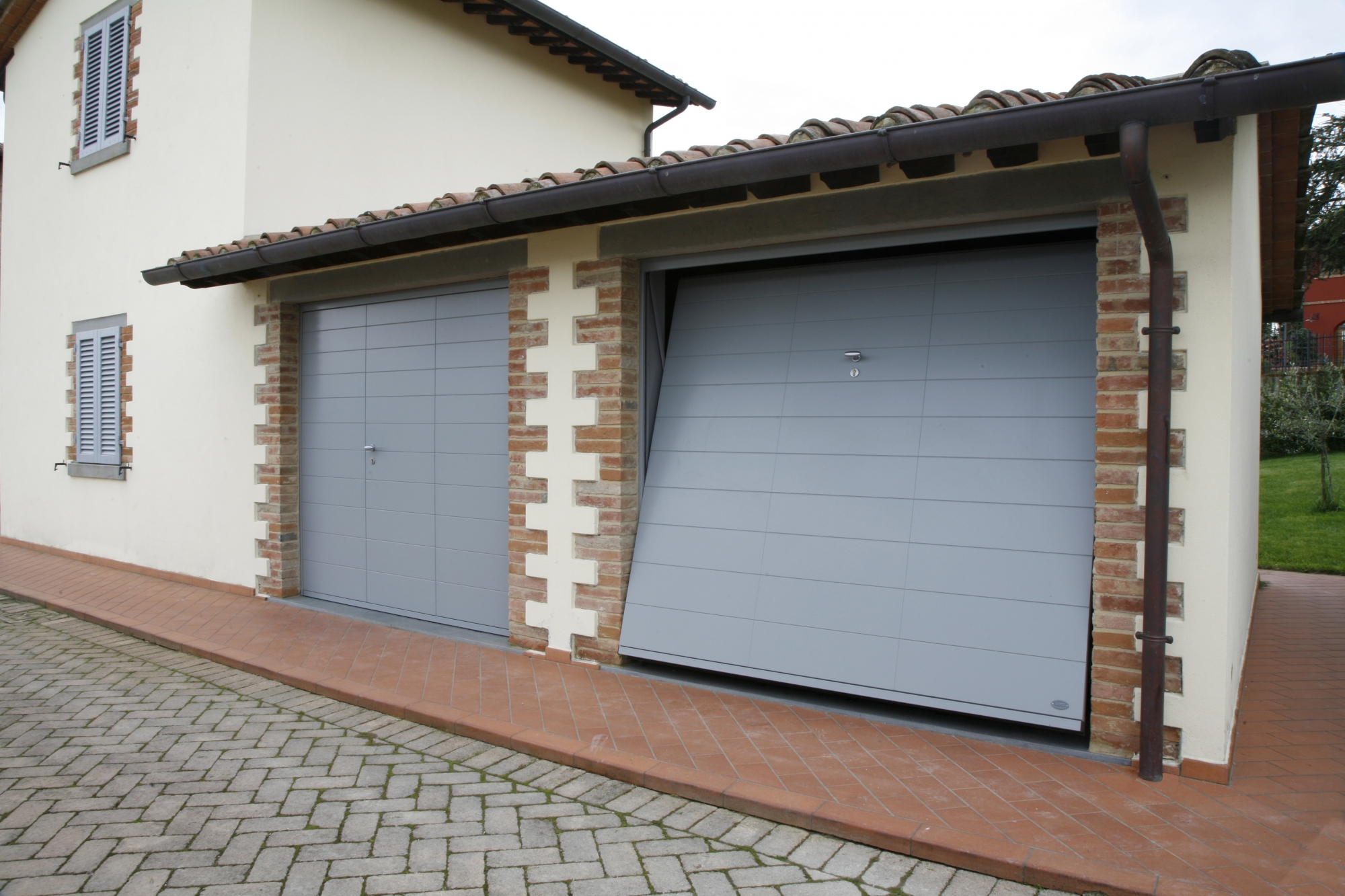 Lines porta basculante linea legno porte basculanti - Porta garage basculante ...