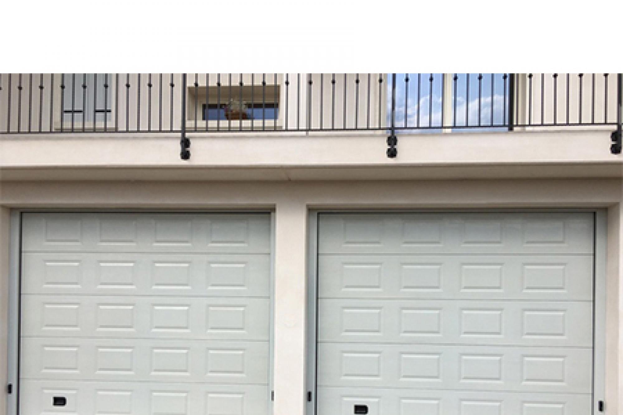 Porte e portoni sezionali per garage, Richiedi Prezzo o Preventivo ...